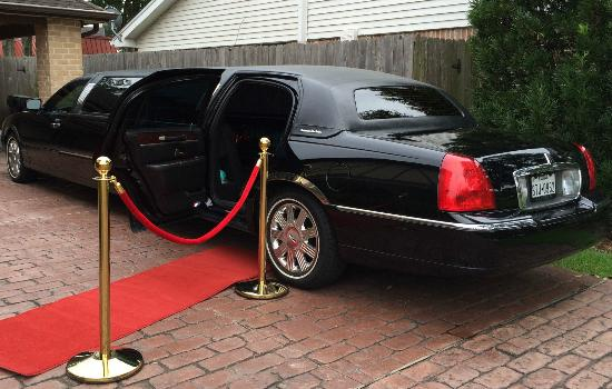 Have a trouble free travel with the suitable limo service