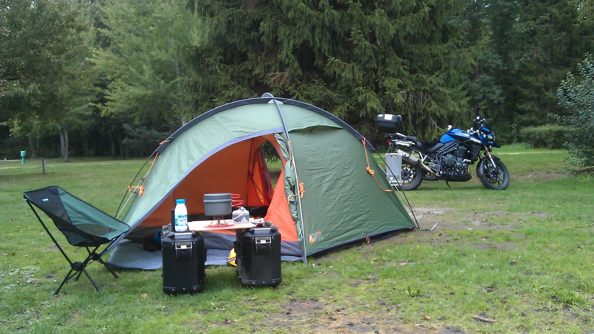 Motorcycle Camping – Go for light weight camping tents