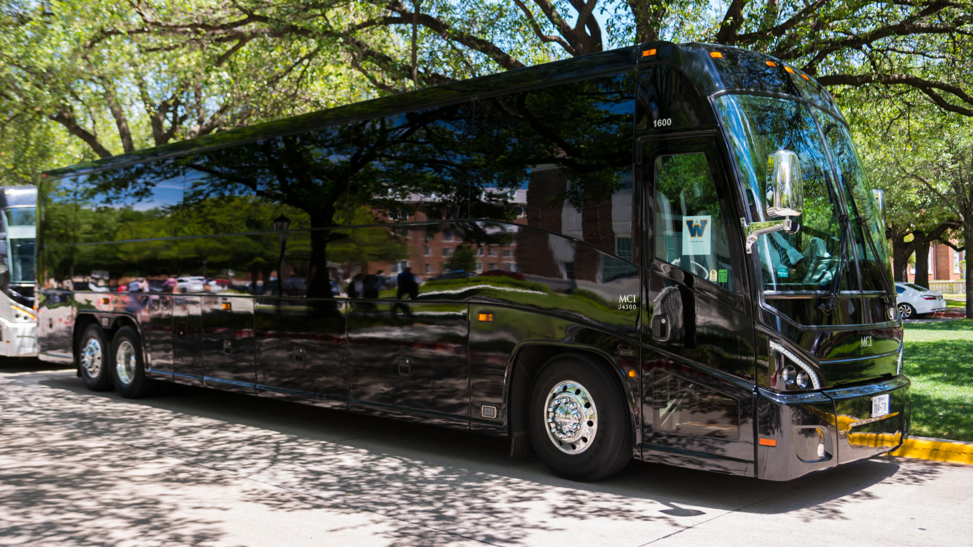 Chicago Motor Coach – What they Offer