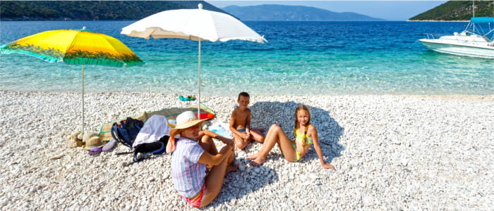 Travel Fun Tips: How Renting A Motorhome Can Save Your Summer and Your Budget